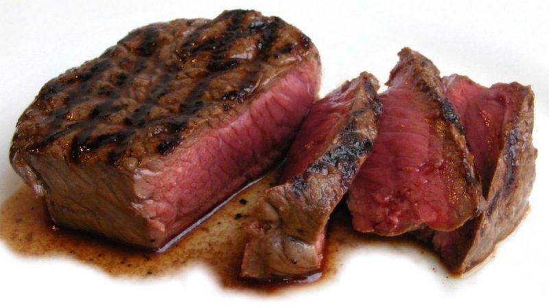 Недожаренное мясо