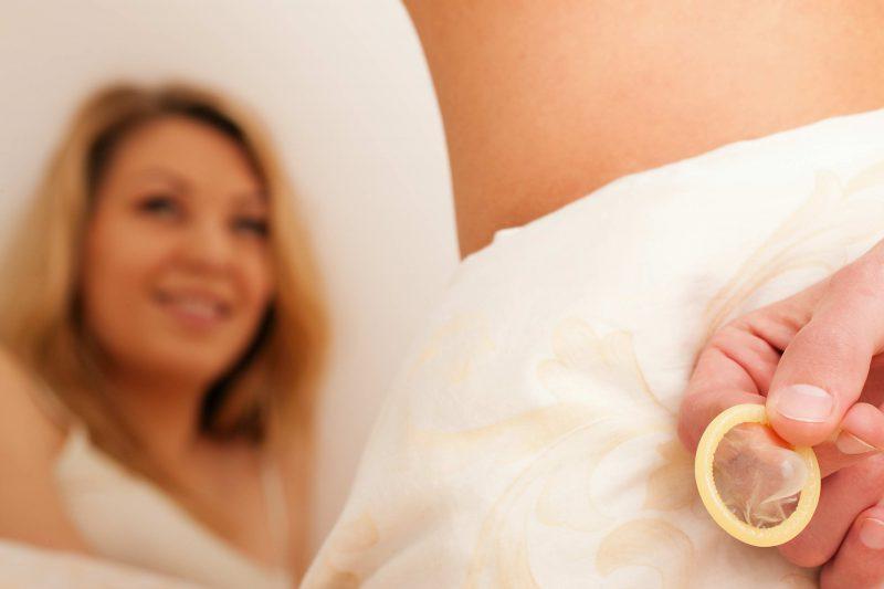 секс с презервативос
